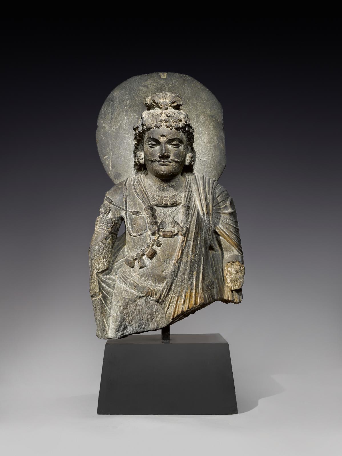 Gandhara, 2nd-3rd century, bodhisattva in schist, h. 67 cm.Christophe Hioco gallery, Paris.