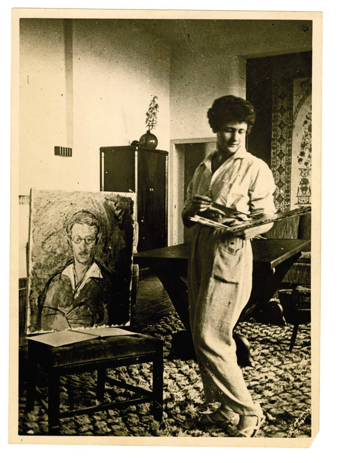 Portrait d'Antoinette Sasse, années 1930.