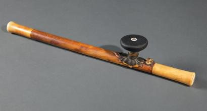 19375€ Fin du XIXesiècle. Pipe à opium en ivoire ayant appartenu au colonel James Vaché et ayant pu servir à son fils, l'écrivain Jacqu