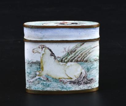 11000€ Chine, XIXesiècle. Boîte à opium en émaux peints sur cuivre de la famille rose à décor de chevaux d'après Giuseppe Castiglione (