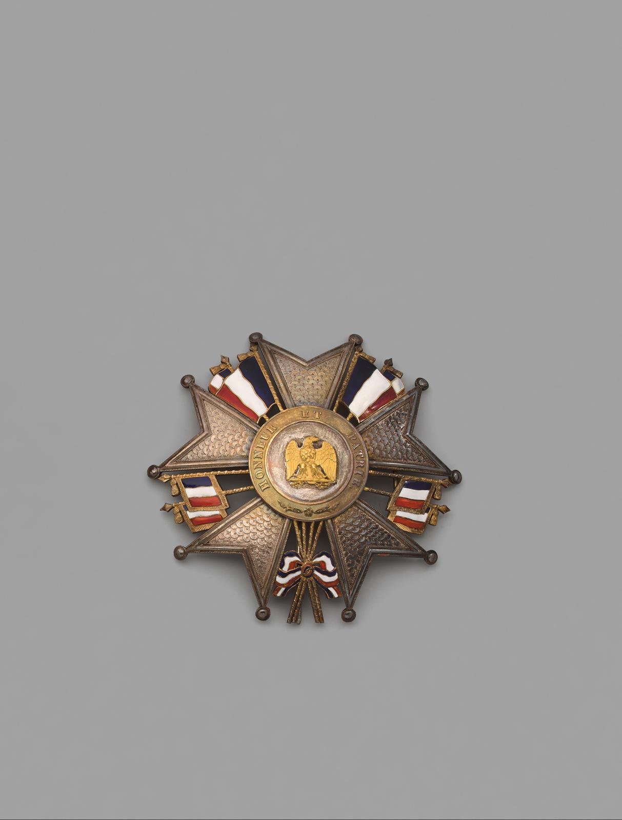 France, ordre de la Légion d'honneur, plaque de grand-croix du modèle présidence en argent les branches ciselées à l'imitation des plaques