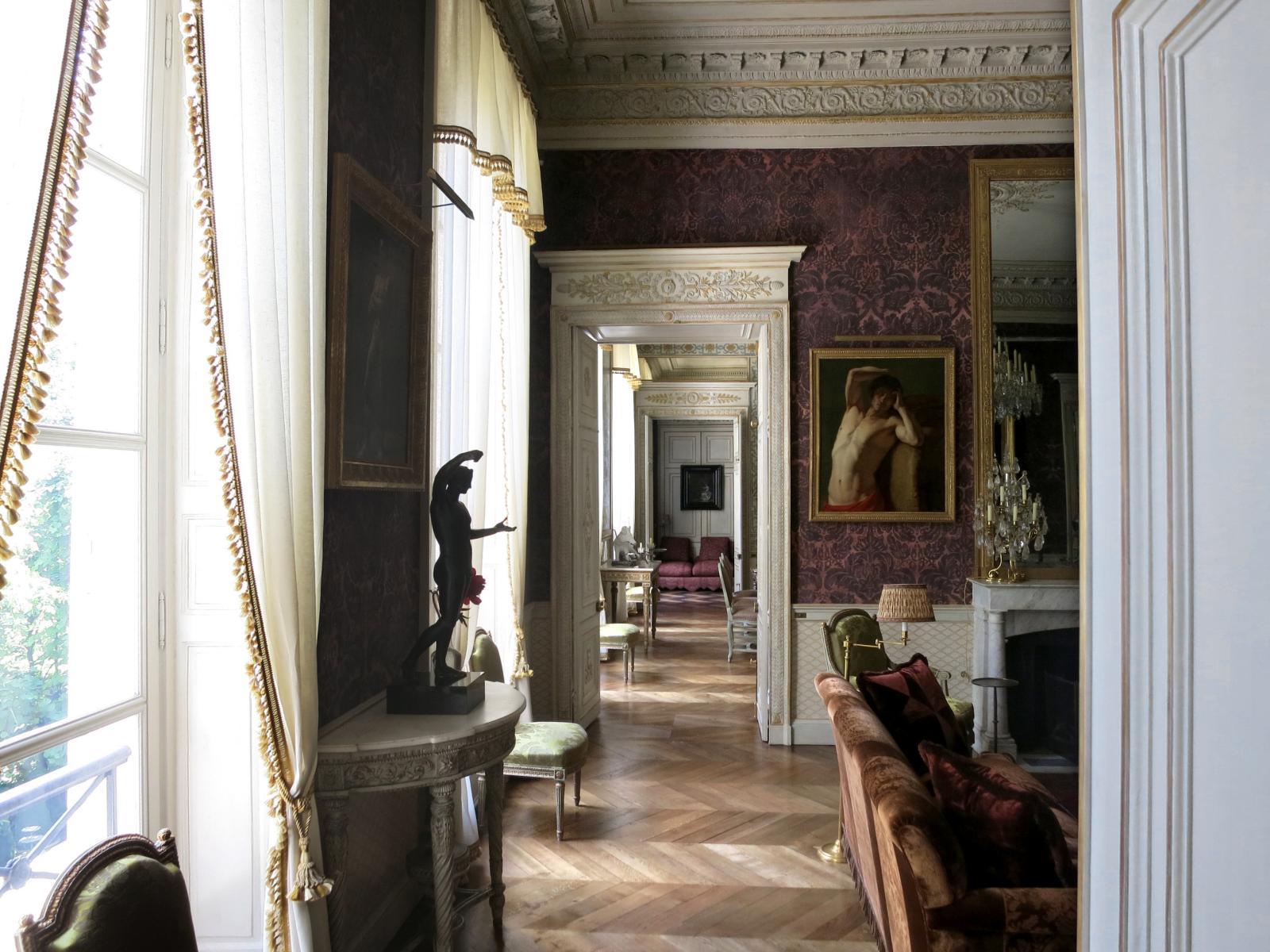 En 2013, Pierre Bergé avait confié à Roberto Peregalli la décoration de son dernier appartement, après avoir visité sa maison de Tanger.