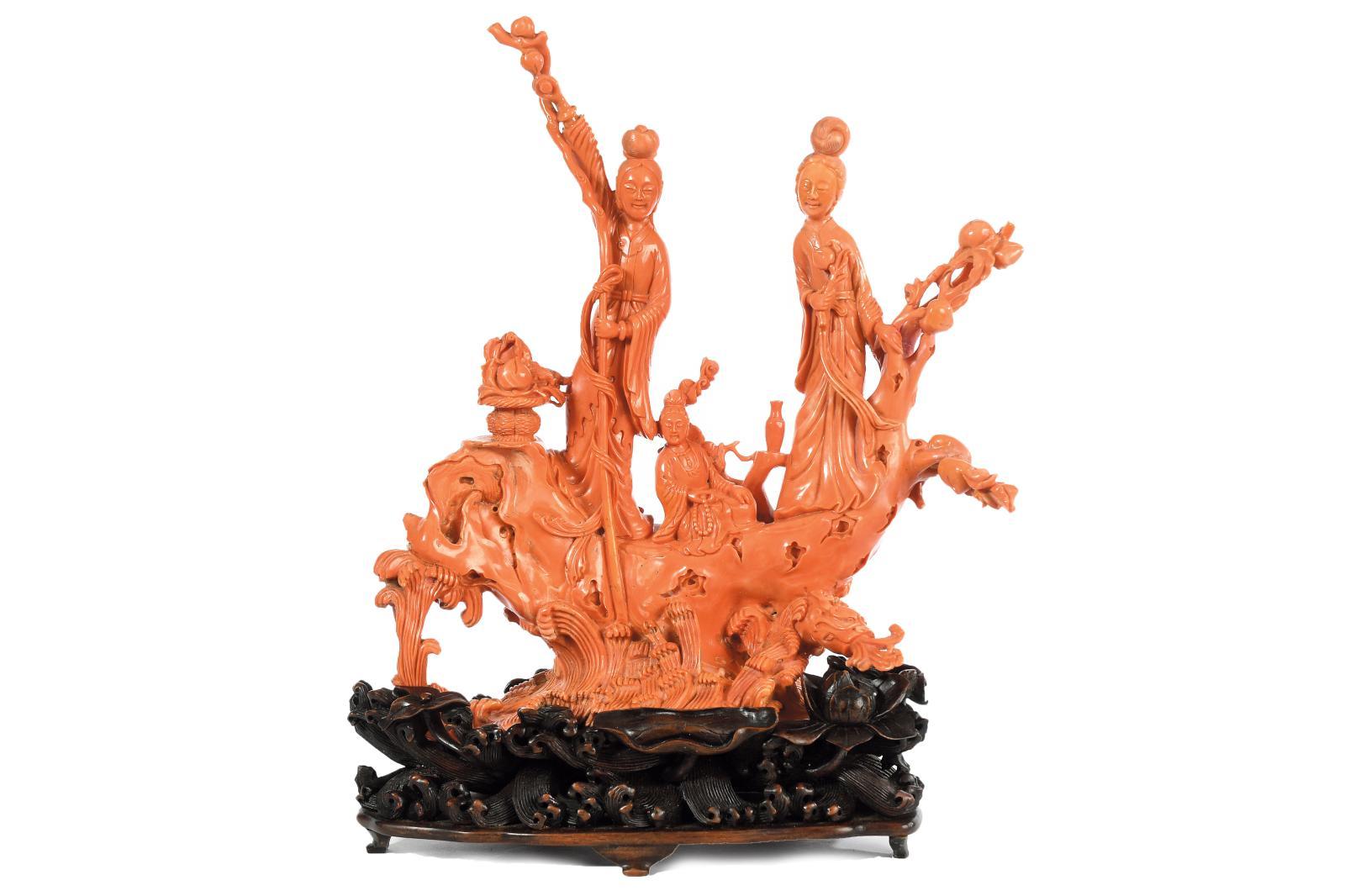 Il faudra débourser 50000/60000€ pour emporterce grand groupe chinois en corail marin, probablement du XVIIIe, finement sculpté de deu