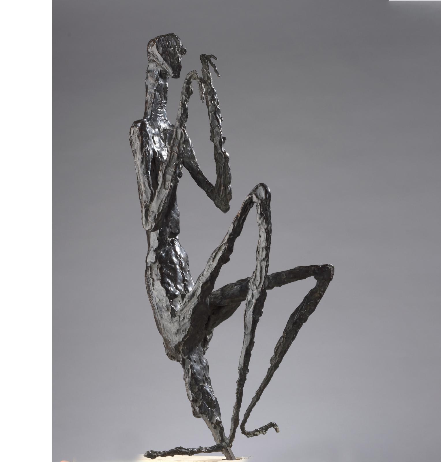 Germaine Richier (1902-1959), La Mante moyenne, 1946, épreuve en bronze à patine brune, justifiée «HC1», cachet Valsuani fondeur, 66,5x2