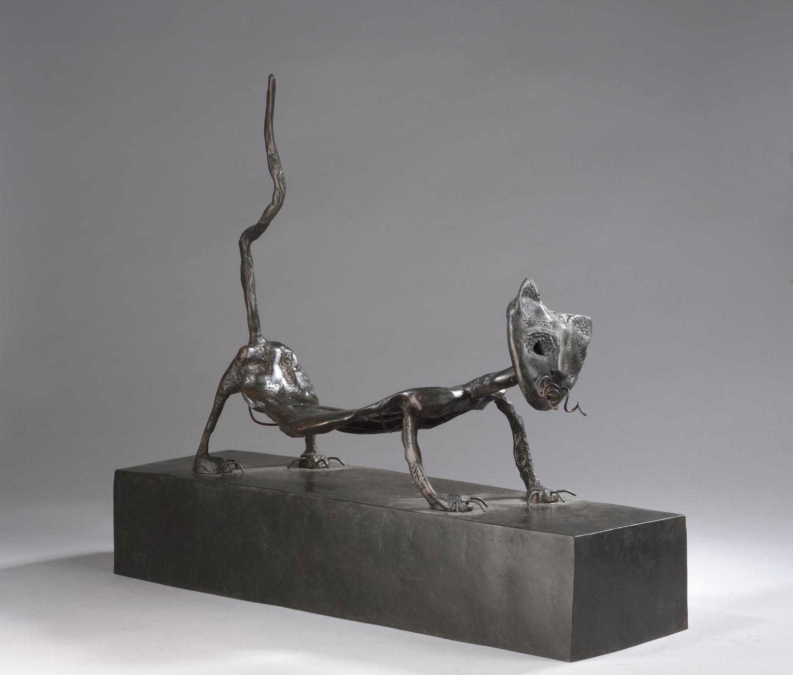 Sophido (née en 1963), Fifi peau de chat, 1989, épreuve en bronze à patine brun sombre, numérotée5/6, Landowski fondeur, 44,5x51,5x14