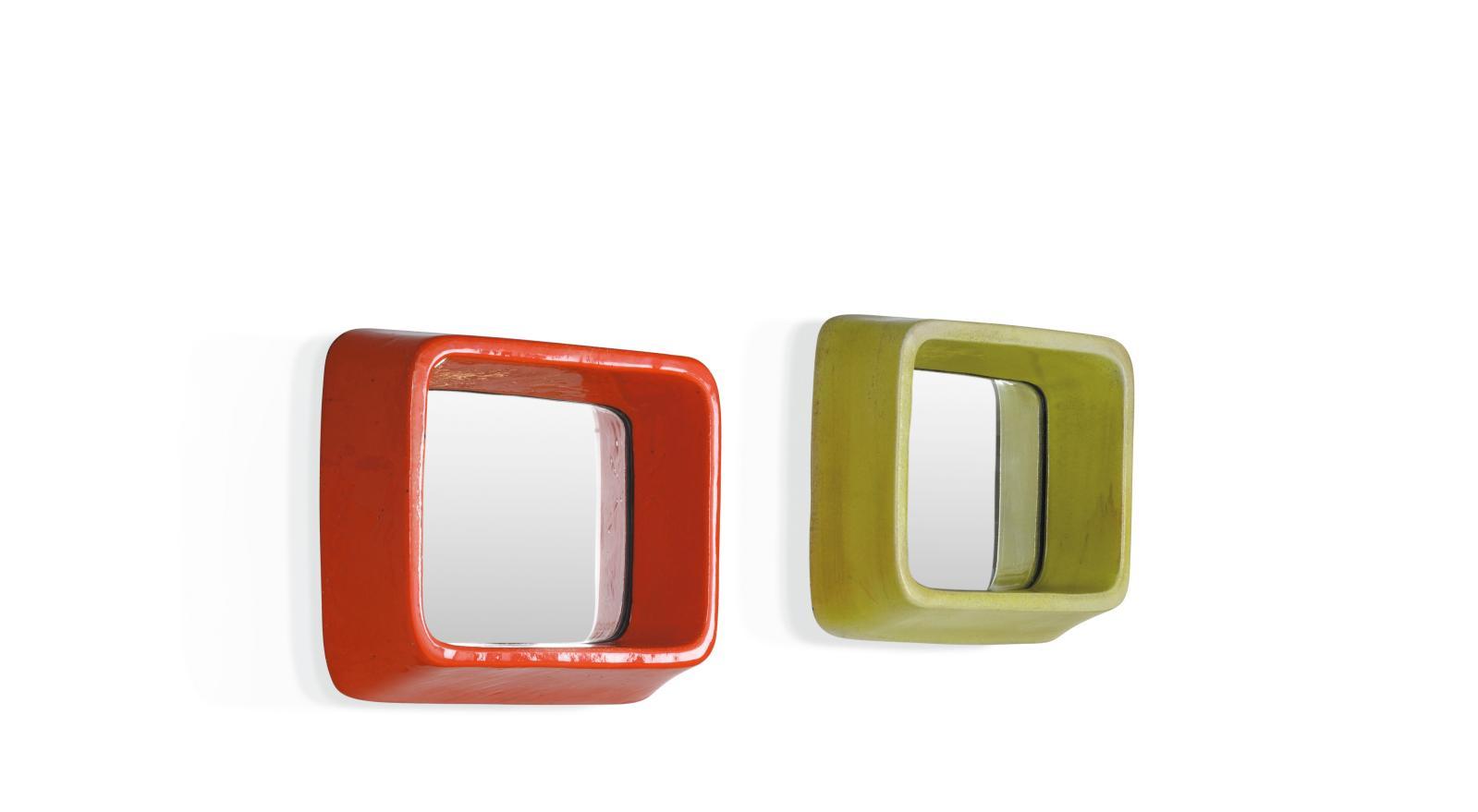 Georges Jouve (1910-1964), deux Miroirs, vers 1955, céramique émaillée rouge orangée et verte, 8x32,5x28,5cm et 8x32x29cm. Adjug