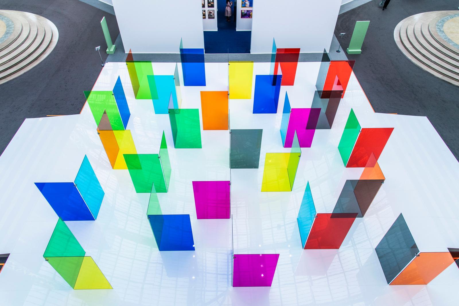 L'installation de Carlos Cruz-Díez présentée au Grand Palais par la galerie Valérie Bach à la Biennale Paris 2019.© Julio Piatti