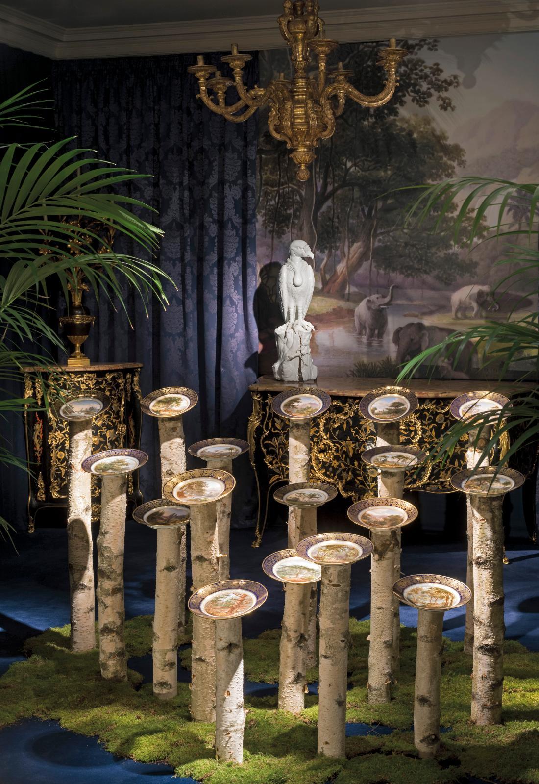 Vue de l'exposition «Impérial et royal. L'âge d'or de la porcelaine de Sèvres», à la galerie Aveline.© LEPRINCE