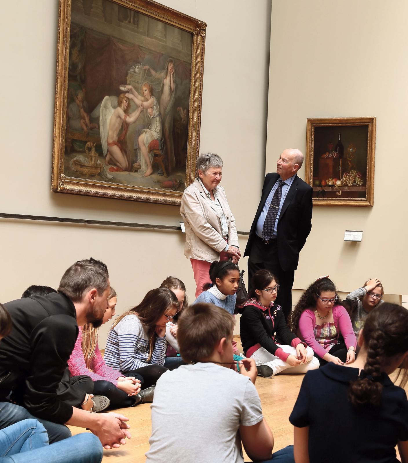 Les fondateurs de la fondation AnBer, en compagnie d'un groupe d'enfants en visite dans le cadre de la 10eédition de l'action «Aujourd'hu