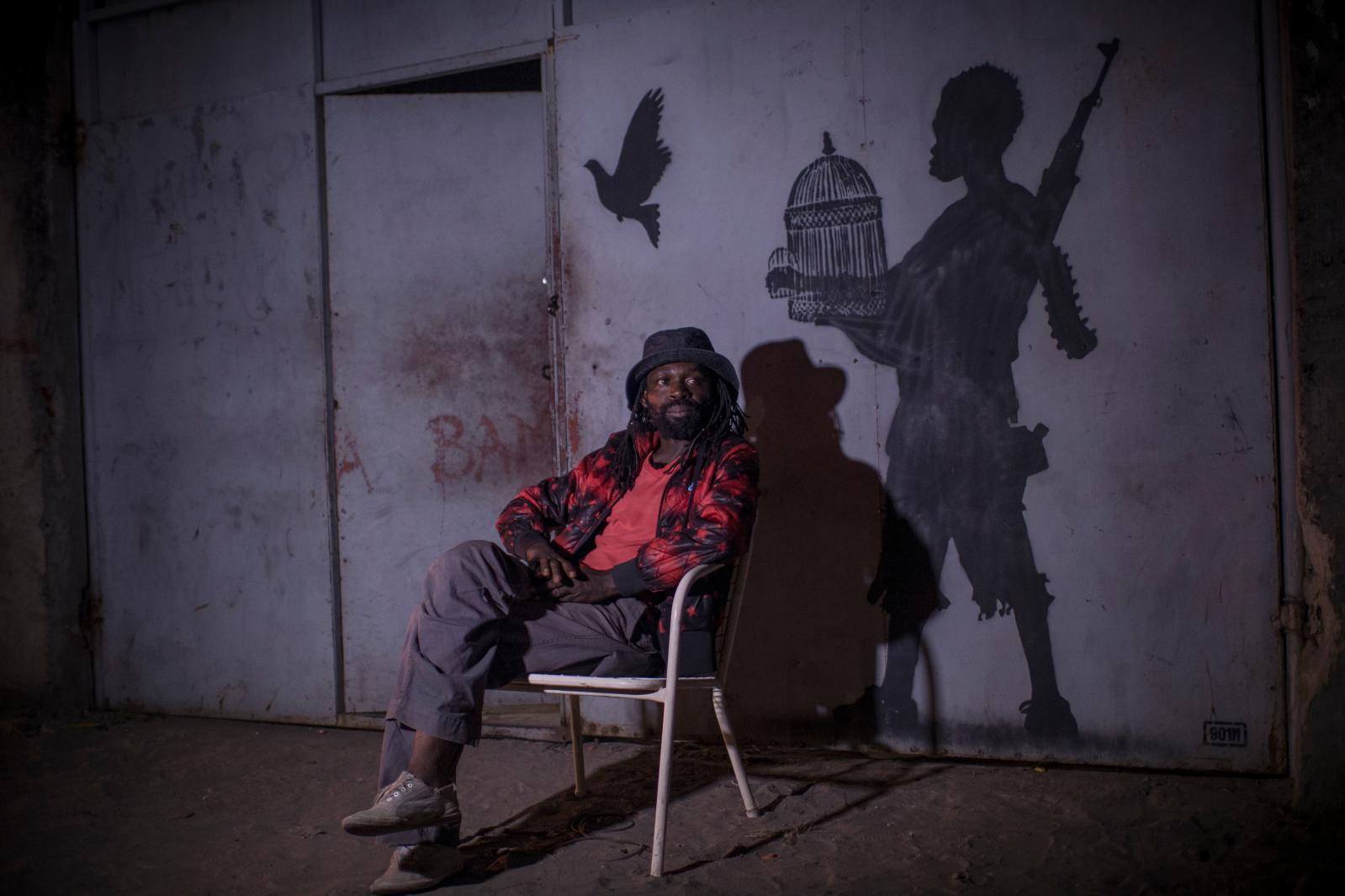 Freddy Tsimba, «parrain» de la nouvelle garde artistique kinoise. ©Renaud Barret
