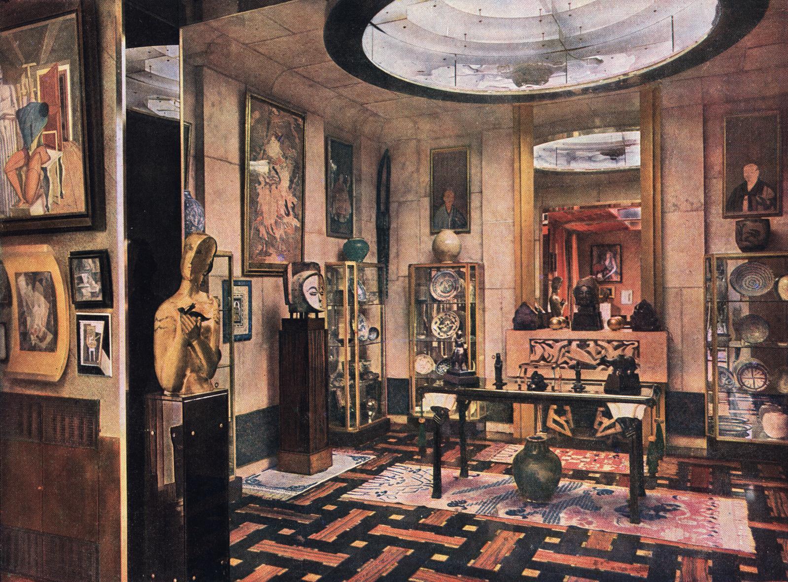 Cabinet d'Orient du Studio de l'hôtel rue Saint-James, vue d'ensemble, photographie publiée dans l'Illustration, n°4548, 3 mai 1930.