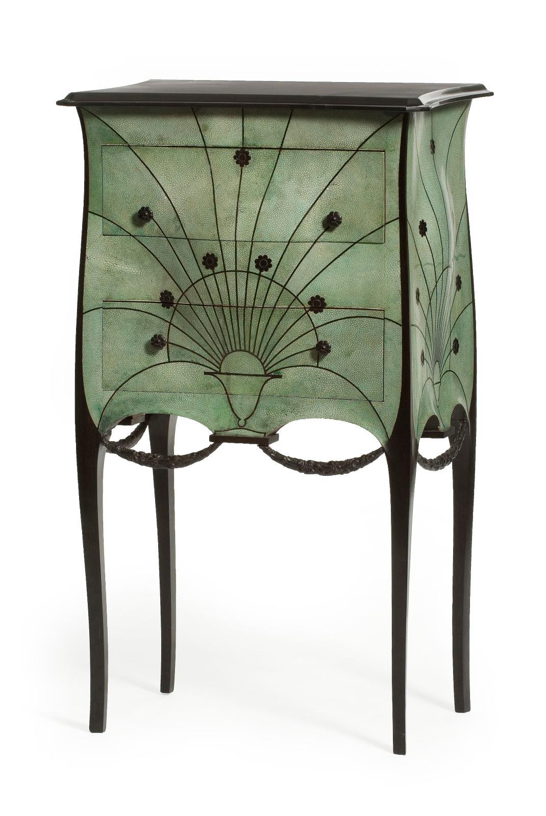 Paul Iribe, commode, vers 1912, Paris, musée des Arts décoratifs, don Jean-Édouard Dubrujeaud en souvenir de Jacques Doucet, 1958.
