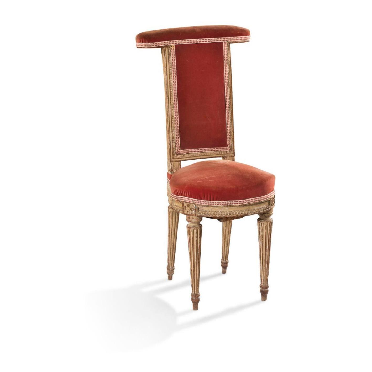 1275€ Époque LouisXVI, chaise ponteuse en bois laqué crème, pieds fuselés cannelés, 94x44x43cm. Neuilly, 20décembre 2016. Aguttes