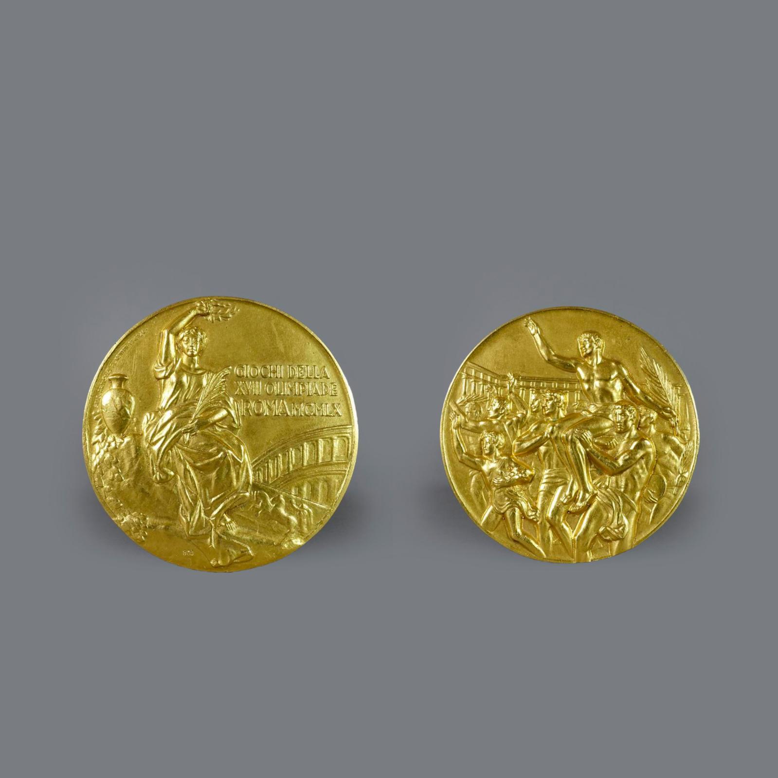 6038€ Médaille d'or des vainqueursdes Jeux de Rome en 1960, vermeil, diam.5,2cm, poids83g.Drouot, 11mars 2017.Mirabaud - Mercier