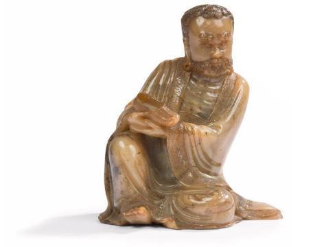 18750€ Chine, XVIIIesiècle. Statuette de luohan en stéatite, h.10cm. Drouot, 21novembre 2017. AderOVV.