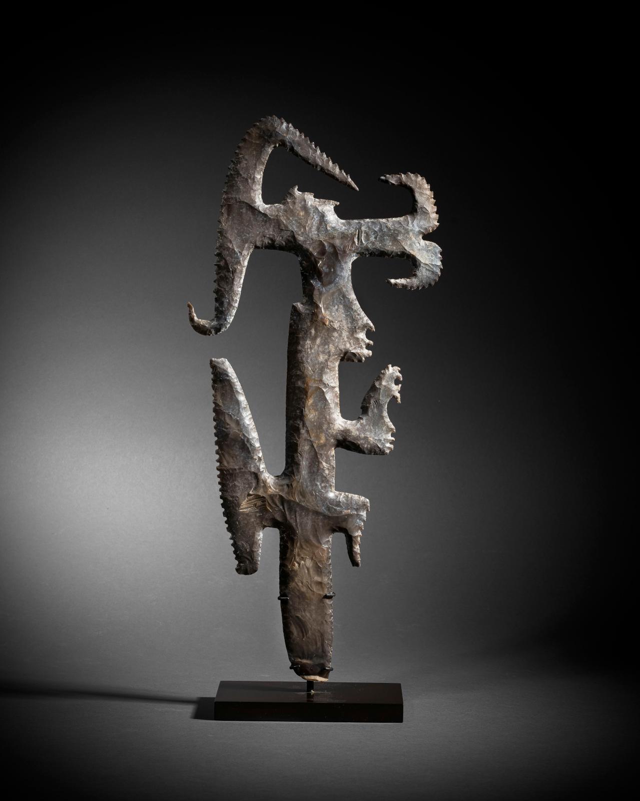"Mexico-Guatemala, Late Classic, 600-900, Mayan culture. ""Eccentric"" flint, brown flint, h. 39.2 cm.Estimate: €200,000/250,000"
