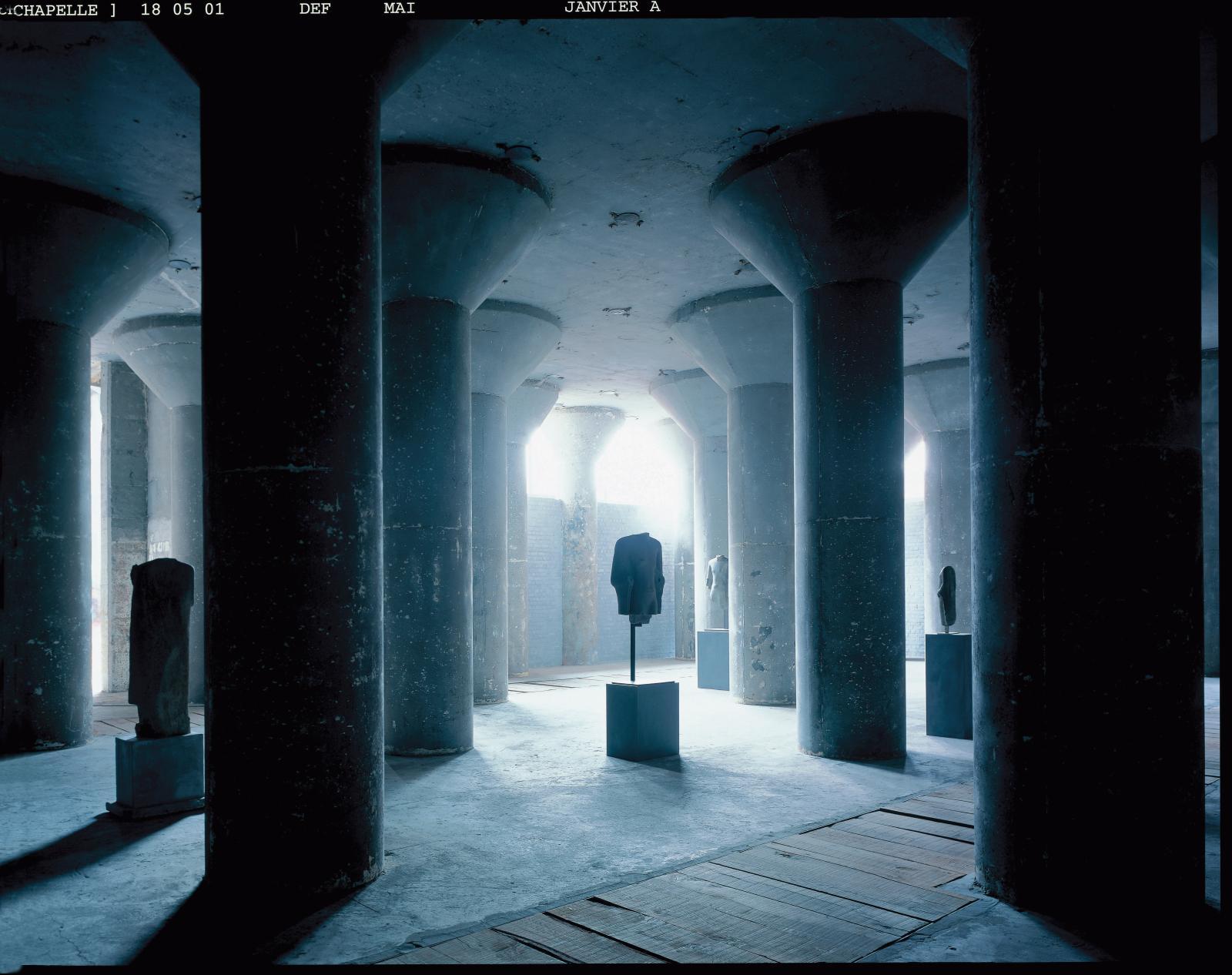Sculptures, Karnak et Dvâravatî. © Laziz Hamani. Courtesy Galerie Axel Vervoordt