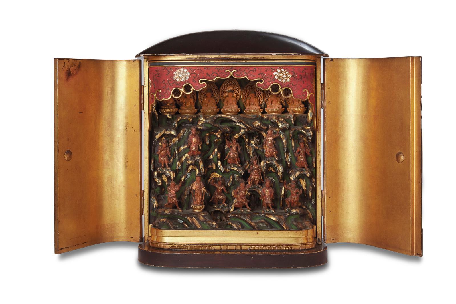 Au Japon, la mémoire des ancêtres se doit d'être honorée. Les premiers et les derniers moments de la journée sont ainsi traditionnellement