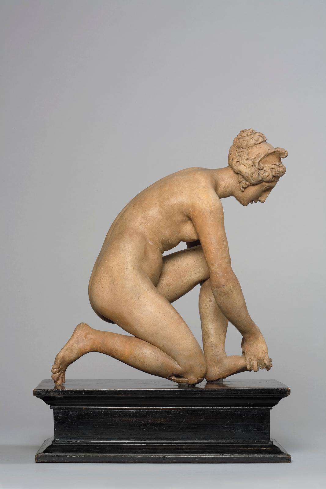 Ponce Jaquio ou Jacquiot, La Tireuse d'épine, terre cuite, 26 x 22 x 14 cm, modèle destiné à l'exécution d'un bronze conservé au Victoria