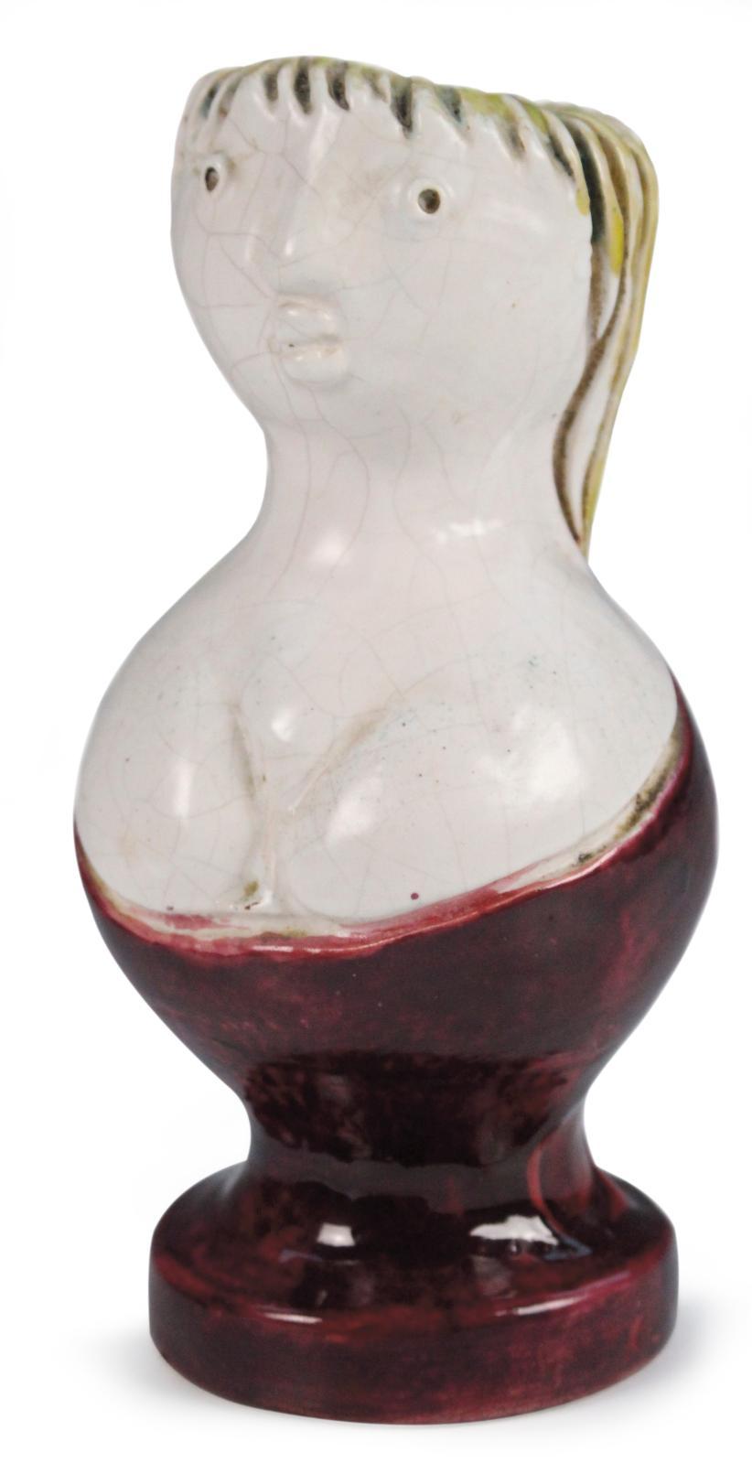 Georges Jouve, Femme à nichons, vers 1948, vase en céramique incisée et émaillée polychrome bordeaux, blanc craquelé et jaune, monogramme