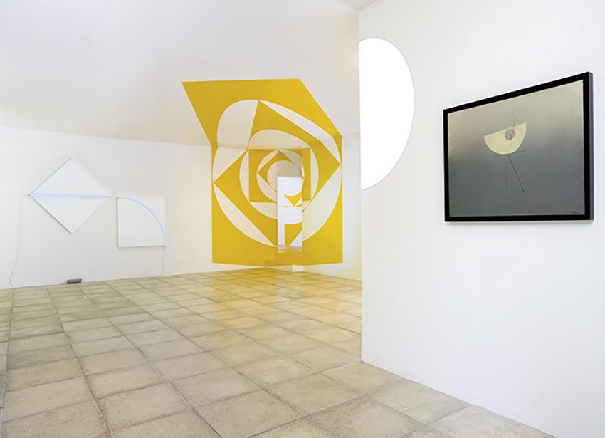 Vue de l'exposition «Correspondances amicales» en 2017: François Morellet, Felice Varini, Michel Verjux, Cécile Bart.© François Fernandez