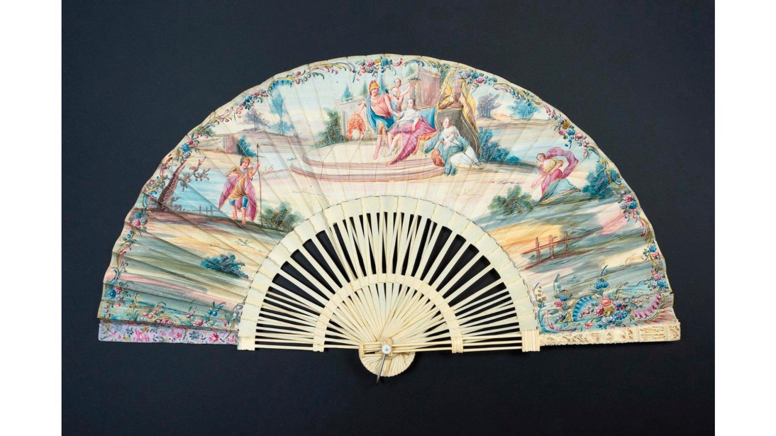 Éventail à monture dite «pagode» en ivoire, feuille peinte d'un épisode de Didon et Énée, vers 1740, 29x13cm. Acquis par la voie de la