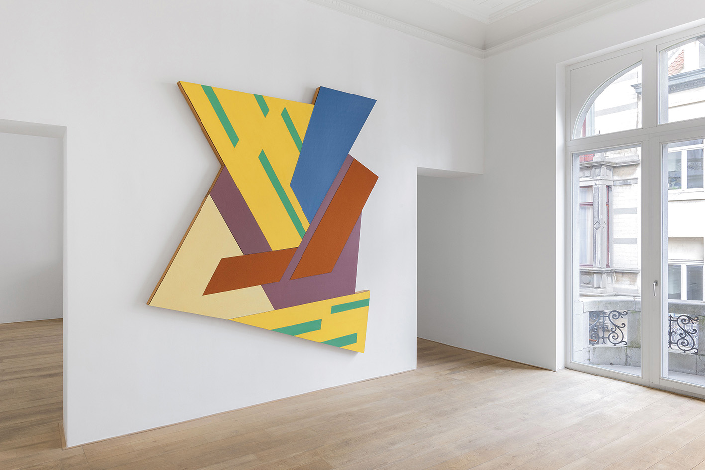 "Frank Stella, Felsztyn IV (1971), featured in the exhibition ""Frank Stella"" at the Charles Riva Collection in 2017.© HV Photography"