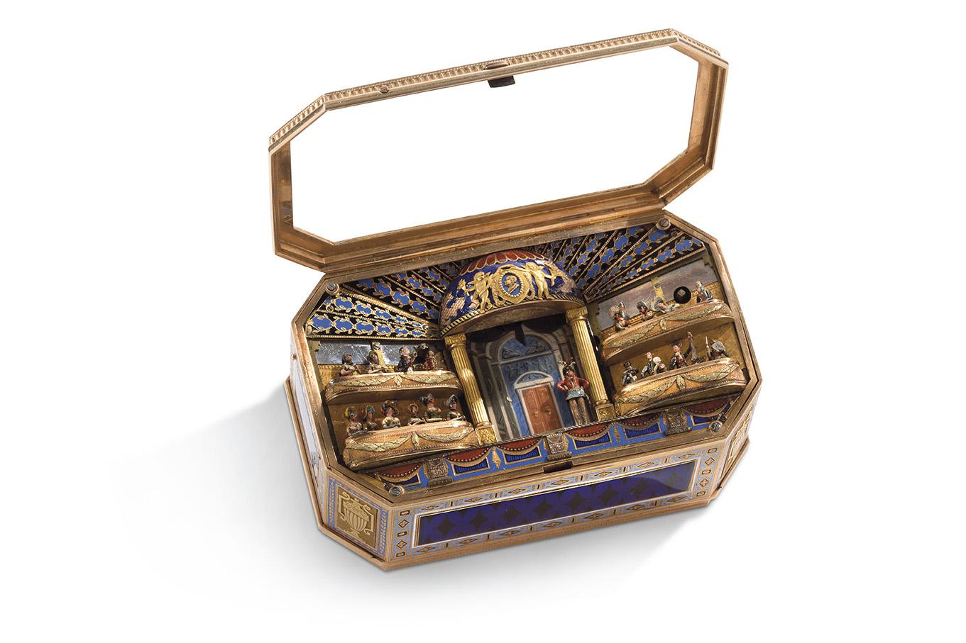 Attribuée aux Frères Rochat, Genève, vers 1820. Boîte à automates à trois ors jaune, rose et vert, et décor émaillé, musique à un air par
