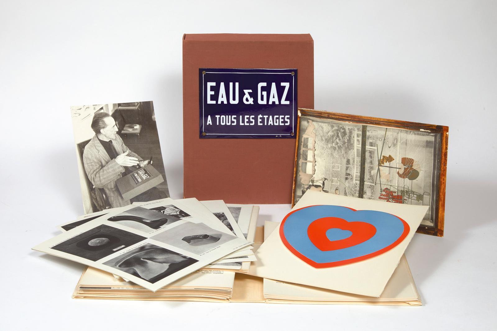 Marcel Duchamp et Robert Lebel, Sur Marcel Duchamp. Eau& Gaz à tous les étages, Paris, éditions Trianon, 1959, l'un des dix exemplaires s