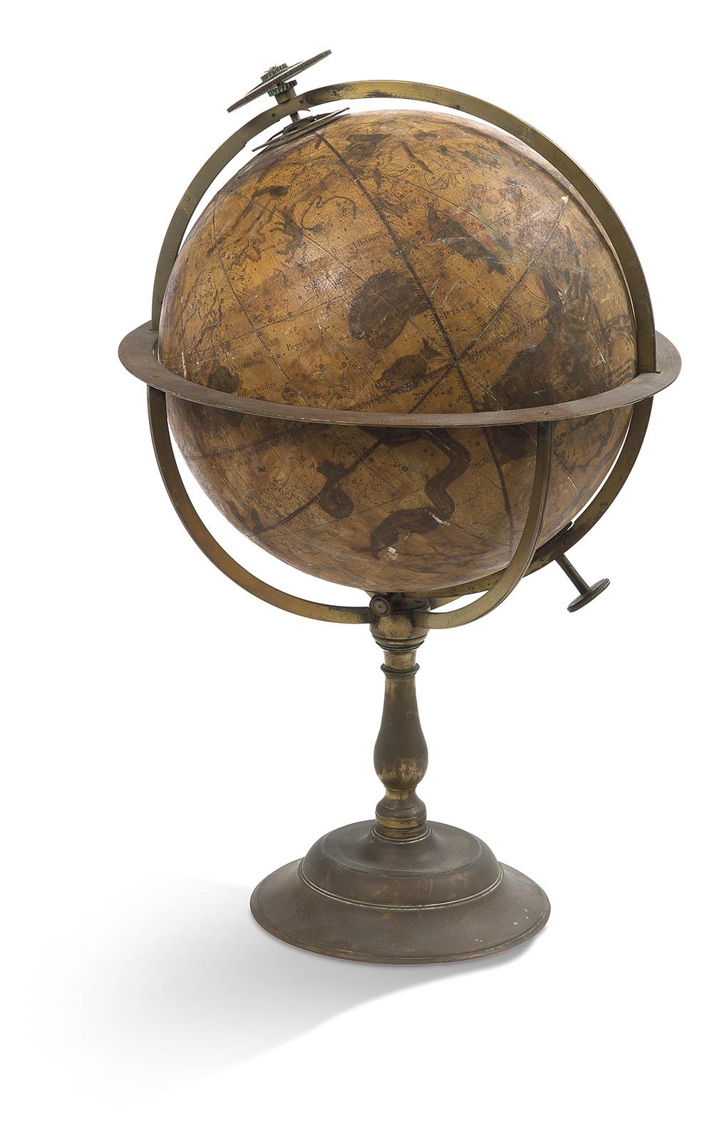 Ce globe céleste, portant la signature «A New Celestial Globe by R Caifhiee 1730», a été conçu pour réaliser des expériences astronomiques
