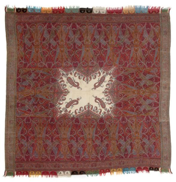 €3,197Shawl decorated with large flowers and multicolored foliage with white reserve in the center, India, 19th century, 73.22 x 68.0 in.P