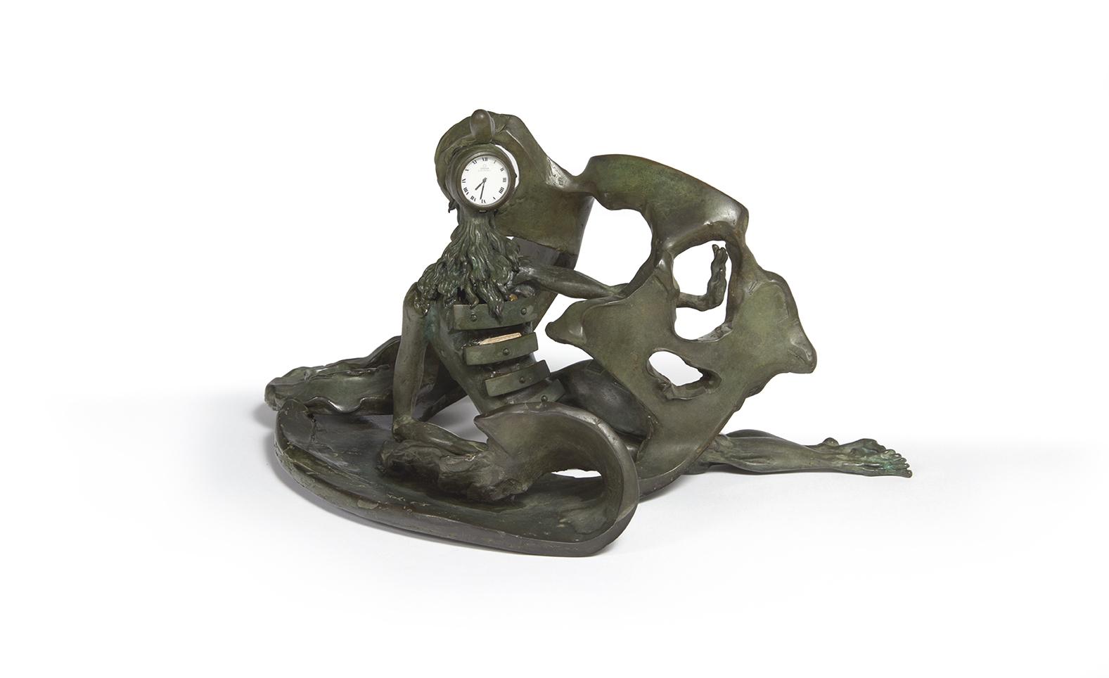 Salvador Dalí (1904-1989), La Prémonition des tiroirs, 1973, bronze à patine verte, épreuve d'artiste signée, 20,5x39cm. Estimation: 2