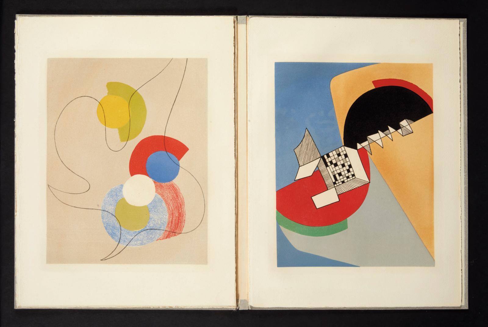 Voici un exemplaire d'un ouvrage mythique. L'Album de Grasse, édité en 1950 Aux nourritures terrestres, est composé de dix lithographies p
