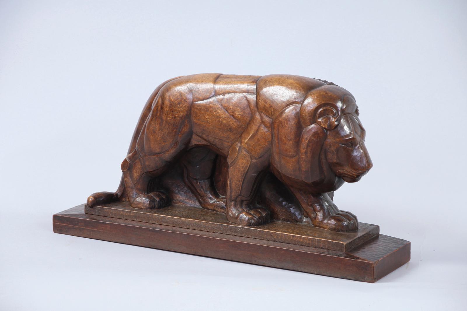 Estimé 65000/85000€, ce Lion en marche(38x76,5x18,5cm) a été réalisé vers 1920-1925 par Gaston Étienne LeBourgeois(1880-1956).