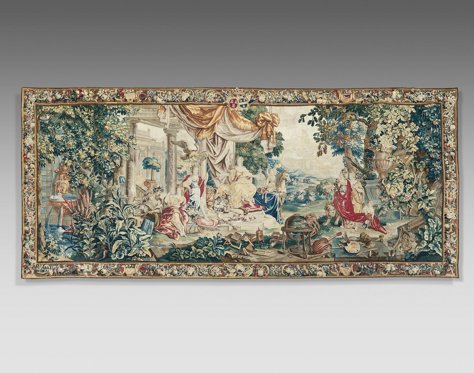 Tapisserie en laine et soie représentant L'Europe, de la «Tenture des continents» d'après les cartons de Louis Van Schnoor,bordure armori