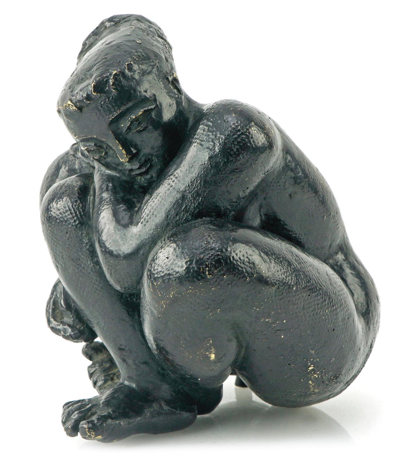 Antoniucci Volti (1915-1989), Femme recroquevillée, vers 1960, sculpture en bronze à patine brune foncée, signée et numérotée «4/6», 16,