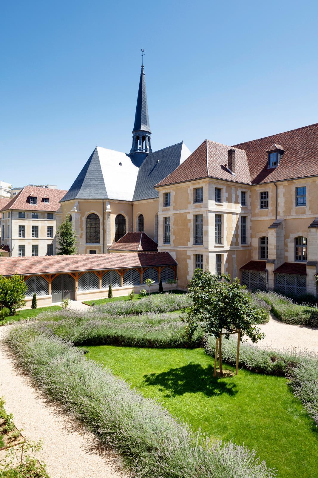 Cour Saint-François.