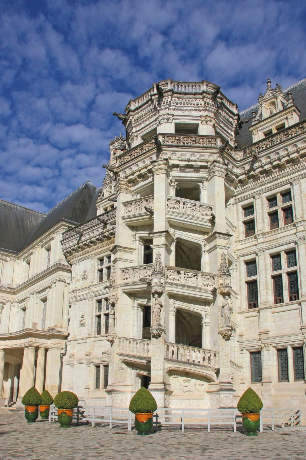 Château royal de Blois (Loir-et-Cher), escalier FrançoisIer. © Lépissier