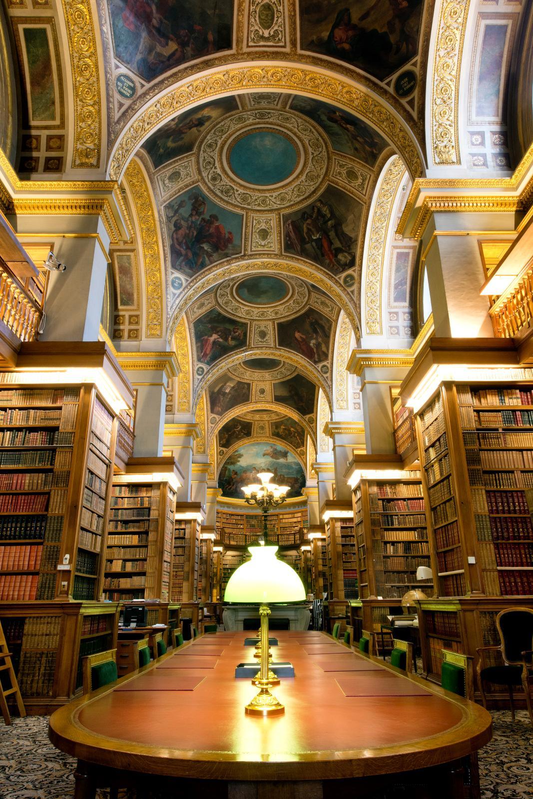 Nef de la bibliothèque de l'Assemblée nationale.
