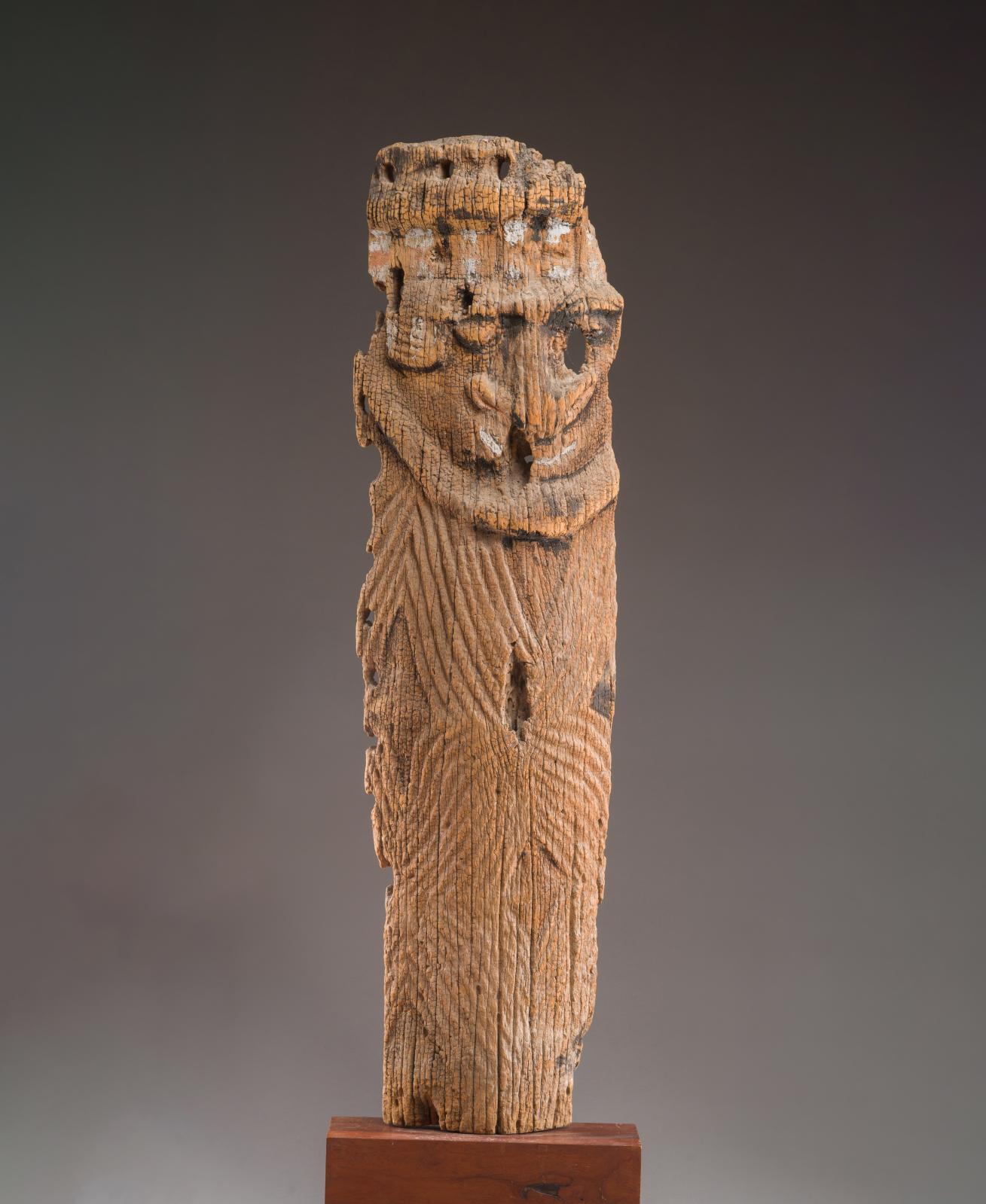 Mélanésie, Nouvelle-Calédonie, peuple Kanak, XIXesiècle ou antérieur. Talé, élément principal décorant l'accès à la «grande case» du ch