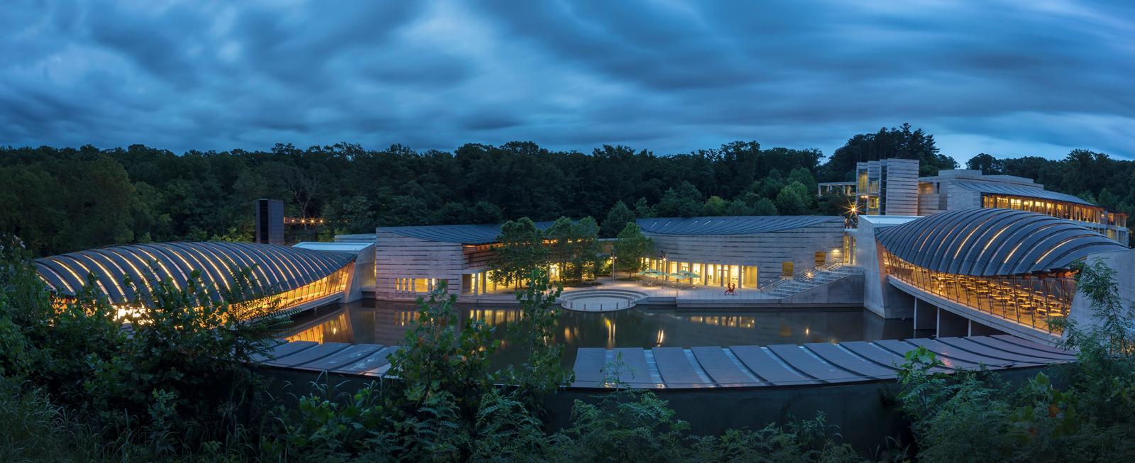 Panoramic view of Crystal Bridges Museum of American Art.Image Courtesy of Crystal Bridges Museum of American Art