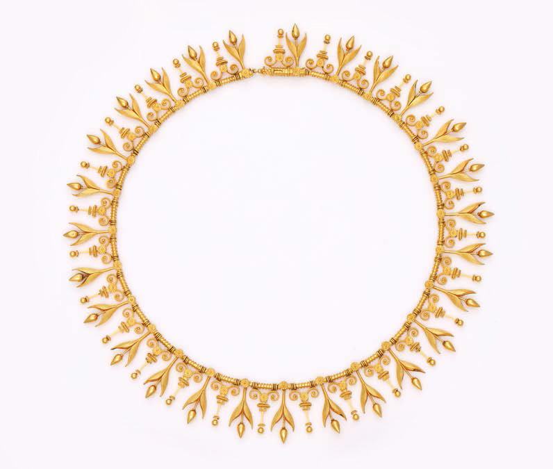 €12,760Eugène Fontenay, articulated choker necklace in 18k gold with a satin finish, decorated with floret drops alternating with motifs o