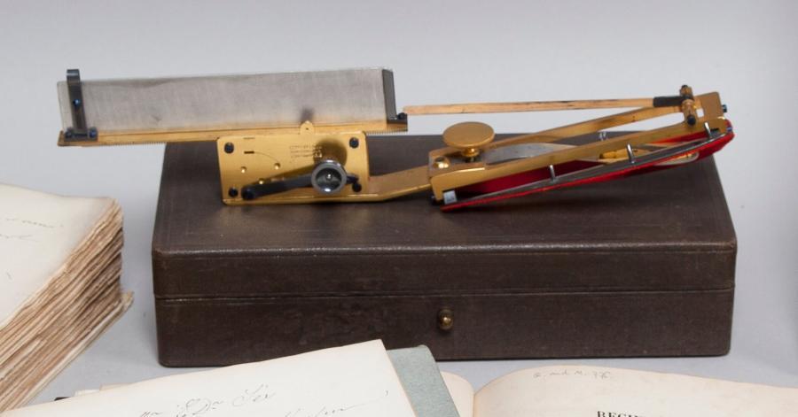 1008€ Vers 1860, sphygmographe de Marey pour évaluer la tension artérielle, Charles Verdin constructeur, 7rue Linné Paris, laiton, acie