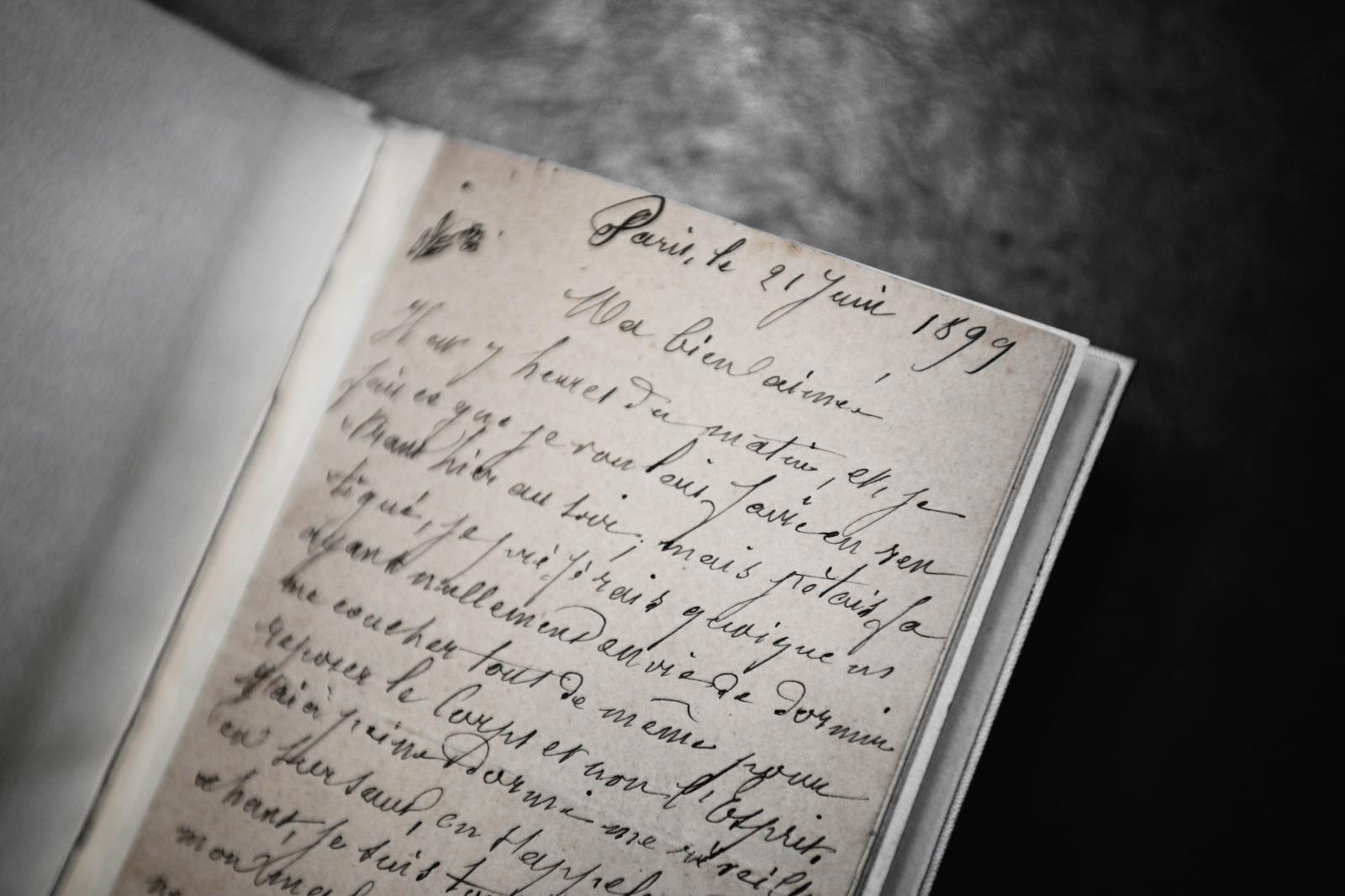Douanier Rousseau's letter to his wife© Photo DSTURB Olivia de Quatrebarbes