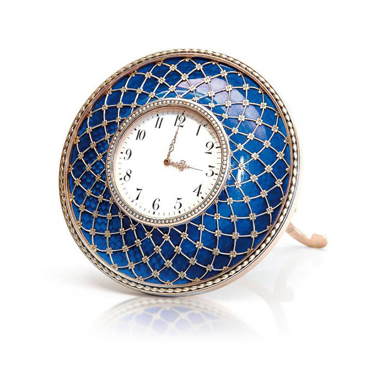€111,537Small Carl Fabergé table clock, Prince Radziwill's former collection, Fabergé mark, Johan Victor Aarne, Henri Moser mechanism, Sai