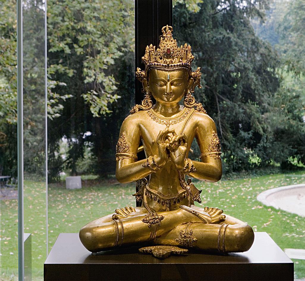 Sculpture en bronze de Tathagata Vairocana, Tibet, XIVesiècle,collection Berti Aschmann, prêt permanent au musée Rietberg.© Musée Rietber