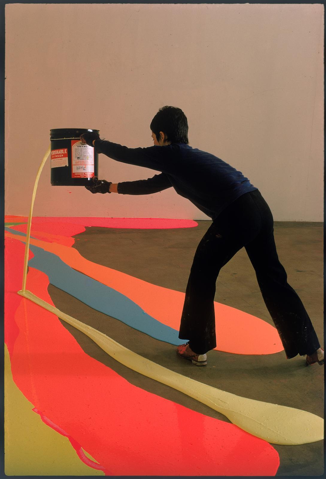 Henry Groskinsky, photo de Lynda Benglis publiée dans le magazine Life, 1970. Exposition «Elles font l'abstraction»au Centre Pompidou (5