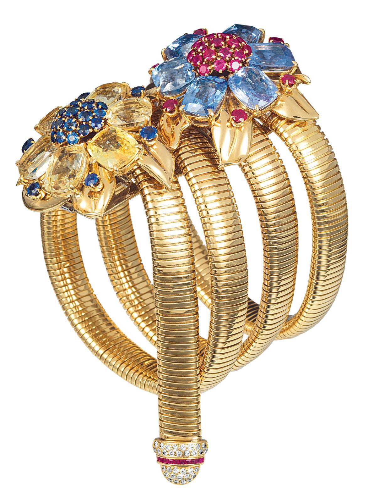Van Cleef & Arpels, bracelet passe-partout en tubogas et clips, 1939, or, saphirs, rubis et diamants, transformable en collier ou en ceint