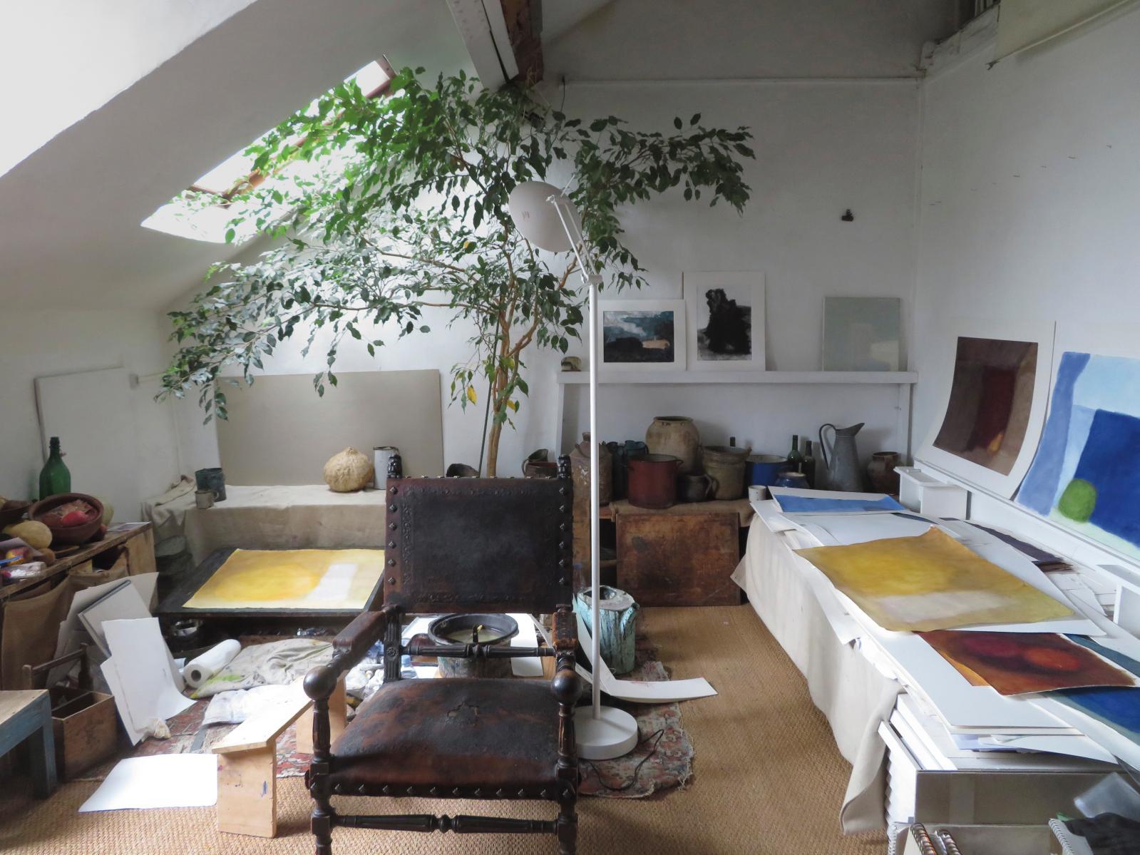 Dans l'atelier parisien de l'artiste.© A.Hollan