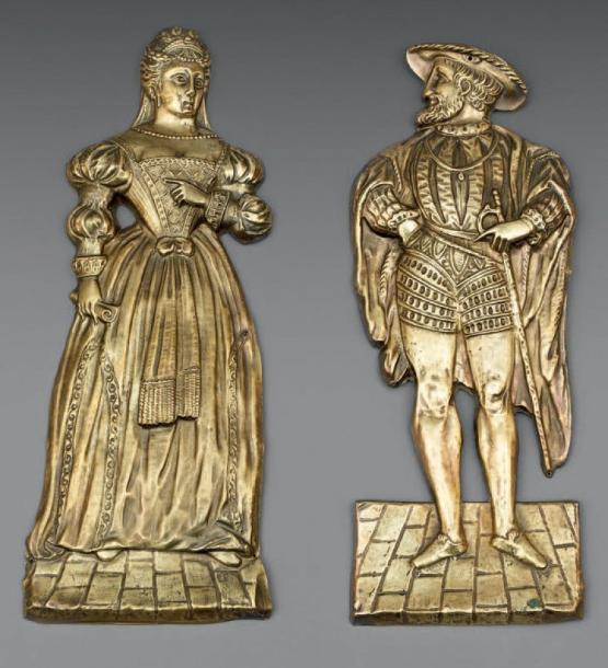 1001€Probablement vers 1830. Deux moules à chocolat en laiton étamé, figurant la reine Claude deFrance et le roi FrançoisIer, h.44cm